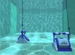 Чистка дна и стенок бассейна
